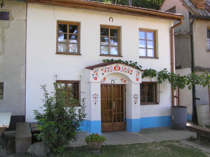 Domek winiarski z piwniczka w Czejczu