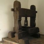 Stara śrubowa prasa winiarska z Čejkovic