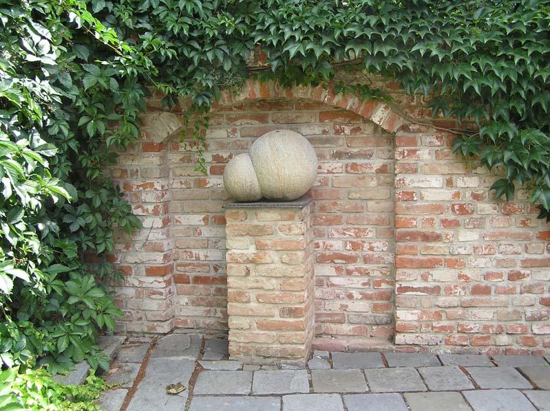 Hustopeče - pomnik Saccharomyces ellipsoideus-drozdze winne