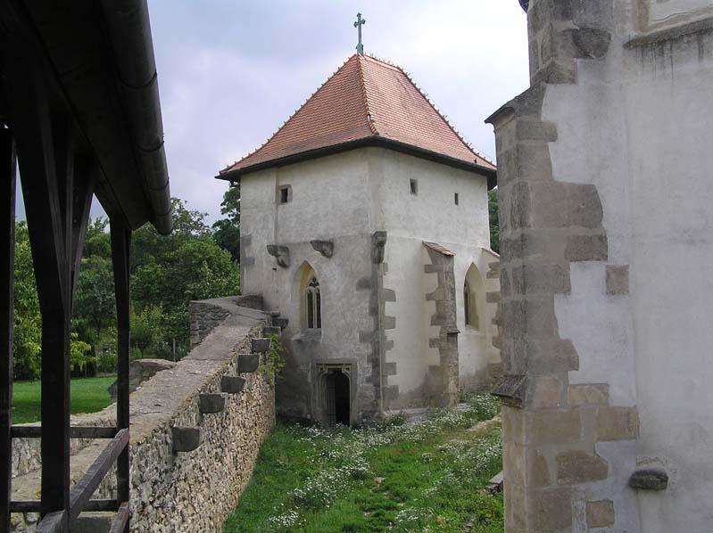 Obwarowany kościól w Kurdějovie - kaplica