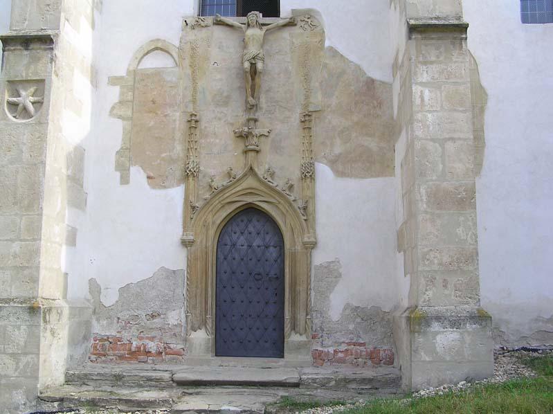 Obwarowany kościól w Kurdějovie - portal gotycki