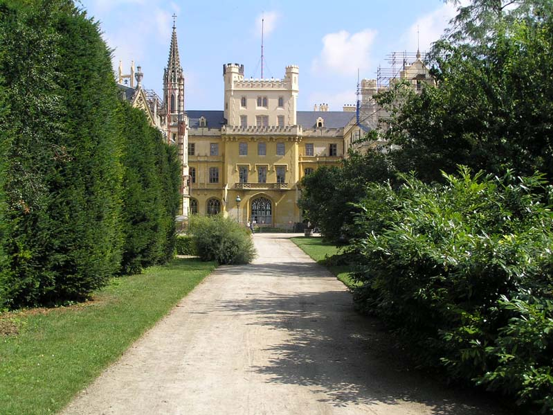 Zamek w Lednici