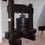 Stare prasy winiarskie na zamku mikulovskim