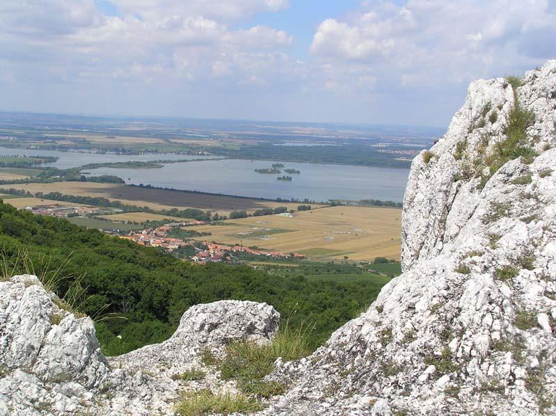 Widok z Palavskich Wierchów na Zbiorniki Nowomlyńskie