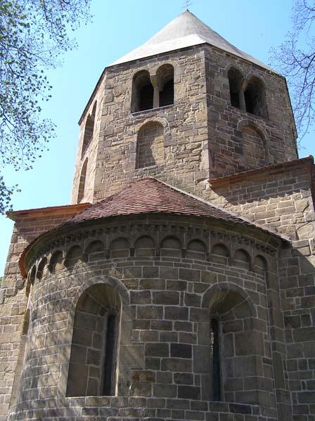 Řeznovice - Kościól romański św. Piotra i Pawla