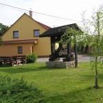 Stara prasa winiarska w Vrbicy
