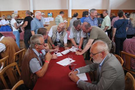 Dyskusja winiarzy polskich podczas wystawy PIWI 2014 Šardice