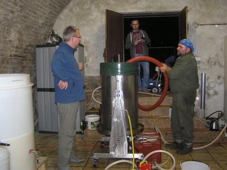 z Praktyk winiarskich UJ-Enologia - 2013